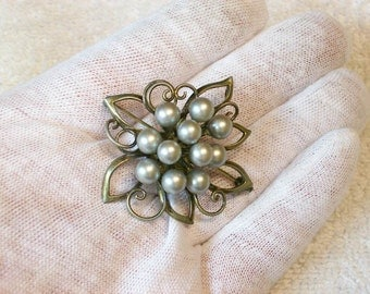 Sterling Silver Flower Brooch / Pin / 60s 70s