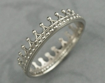 Solid 14K White Gold Crown Band--Check Mate--Gold Crown Ring--Queen or King Wedding Band--The White Queen Ring--White Gold Wedding Band