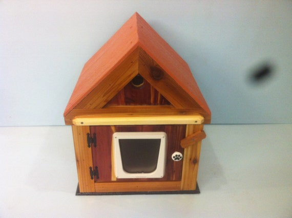 Outdoor Heated Cedar Cat House, bed, shelter, bed, condo