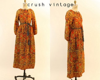 60s Psychedelic Paisley Robe S-M / 1960s Quilted Button Down Dress Coat / Iron Butterfly Housecoat