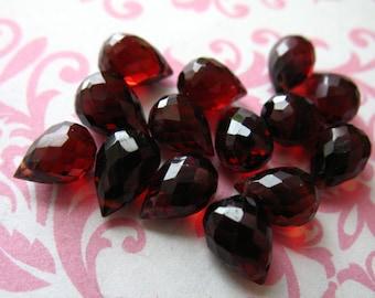Shop Sale.. 1 4 10 pcs, Garnet Briolettes, Mozambique GARNET Teardrop Drop Beads, Luxe AAA, 8-9 mm, large, January birthstone mg89 solo