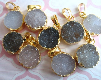 Druzy Pendant Charm, 18 mm, Gold Electroplated Natural Drussy Druzzy Drusy, small petite wholesale druzy ap ap31.2 dr
