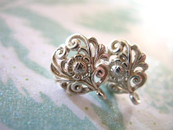 shop sale 1 pair sterling silver post earrings daisy