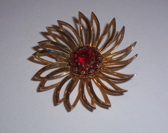 Vintage Sarah Coventry Brooch or Pin WIth Red Center