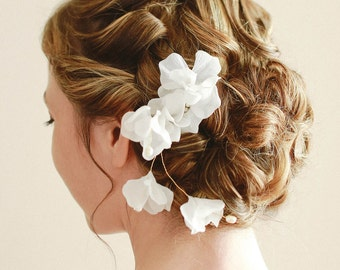 Bridal hair pin, Wedding hair pin, headpiece, flower hair pin, bridal hair - style 123