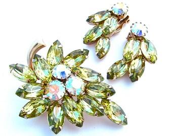 Women Peridot Spring Green Rhinestone Jewelry Set Brooch Earrings Leaf Botanical Design Juliana Gifts Aurora Borealis