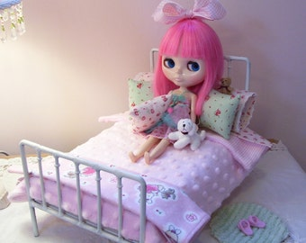 SALE.....12 Piece Bed Linen Set for 1/6 Playscale Bed for Blythe, Pullip, Dal, Momoko, or Barbie Size Dolls... Reversible Rug Included