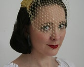 Glittery Gold bow with veil - Bridesmaid hair accessory - Rock and roll bride veil - Gliter bow hair accessory  - Alternative Bridal Veil
