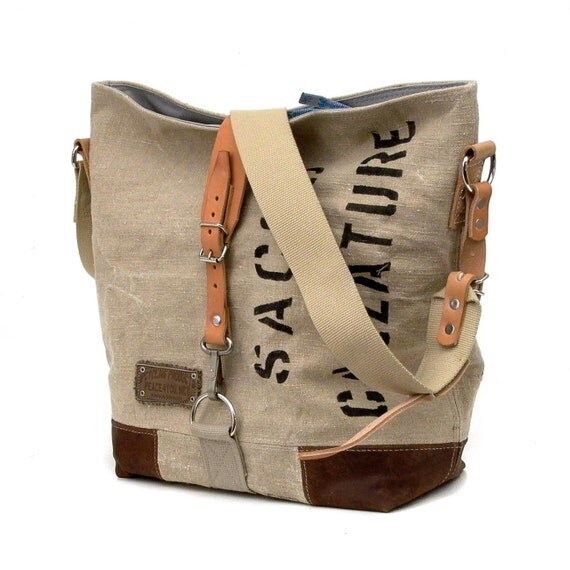 Italian Military Duffle Bag Canvas Tote // Upcycled and Handmade by peace4you // Model pauline-2031