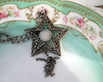 Vintage Filigree Star Mother of Pearl Tassel Pendant Modernist