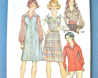 Uncut Vintage early 70s Simplicity 5913 Jumper and Blouse Sewing Pattern  Back Zipper V neck  Bust 48 and 50 inches