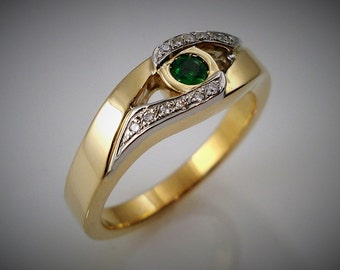 EMERALD and DIAMONDS ring - Yellow and white gold
