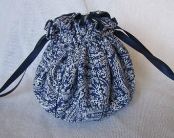 Traveling Jewelry Bag - Medium Size - Jewelry Organizer - VICTORIAN LACE