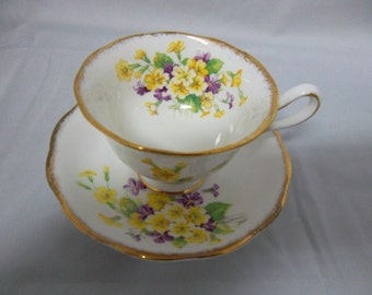 Royal Albert Bone China Tea Cup & Saucer Early Primulette 1940's/50's