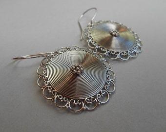 Circles Silver sterling dangle Earrings / 1.60 inch long / silver 925 / Handmade Bali jewelry