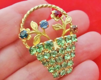 """Vintage 1.5"""" art deco gold tone basket of flowers brooch with rhinestones in great condition"""