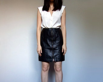 80s Black Leather Skirt Gold Zipper Motorcycle Rocker Zip Up Front High Waisted Mini Skirt - Extra Small XS S
