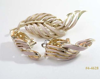 FREE SHIP Pink Enamel Brooch And Earrings Set (4-4628)