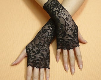 Simple Black gothic Lace Gloves, Fingerless Gloves, Retro Steampunk Mittens, Baroque, Arm warmers in Gypsy and Boho Style, Armstulpen