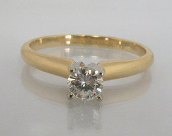 Diamond Solitaire Engagement Ring - 0.27 Carat Round Brilliant Cut Diamond