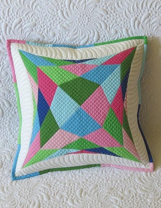 Modern Quilted Pillows Pattern : Quilted Pillow Pattern Easy geometric quilt pillow modern