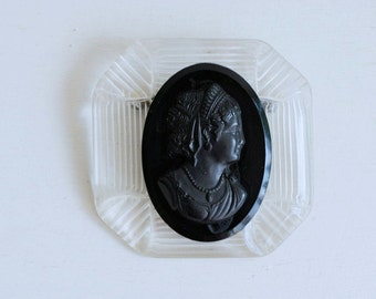 1940s lucite and celluloid cameo brooch / vintage 40s black & white reverse carved cameo pin