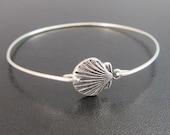 Scallop Shell Bracelet, Scallop Shell Jewelry, Scallop Shell Bangle, Summer Fashion, Beach Fashion, Seashell Bracelet, Seashell Jewelry