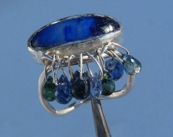 silver ring with 1 big lapislazuli,tourmaline and cyanite briolettes
