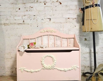 Painted Cottage Shabby Romantic Hope Chest / Toy Box
