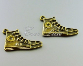 4 sneaker shoe pendants in antiqued / oxidized vintage brass finish, jewelry charms, jewelry making, craft supplies AN085-B (4 pieces)