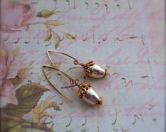 Pearl Earrings  Bridal Earrings Teardrop 14k Gold Fill Fixtures Ivory White