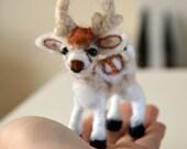 Tiny needle felted reindeer 7cm tall