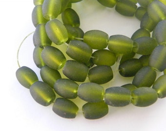 75 Olive green frosted glass beads B162