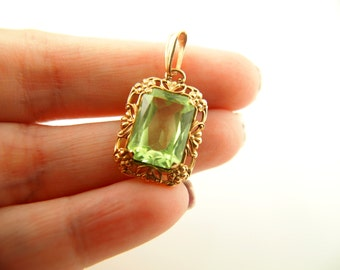 Green Flower Paste Pendant - 10K Gold - Vintage