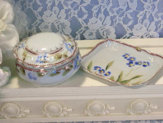 Vintage Japan Japanese China Dresser Dish Or Trinket Box And