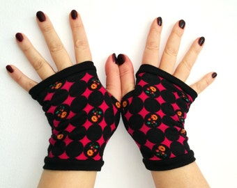 Fingerless gloves red with black