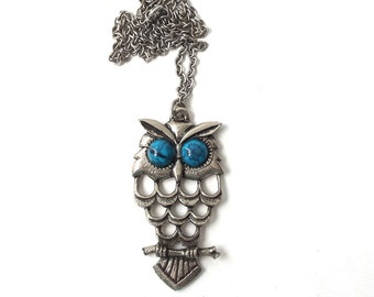 vintage 1970's owl pendant necklace silver turquoise jewelry women fashion accessory accessories mid century modern retro bird oversize old