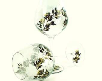 Hand-Painted CRYSTAL Red Wine Glasses - Elegant Gold and Black Roses Set of 2 - Personalized Custom 50th Anniversary Wedding Gift Idea