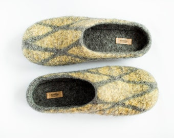 Men size US 9 felted wool slippers, grey home shoes, citrone yellow woollen clogs, checkered dady yellow slippers, eco friendly gift