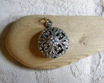 Vintage silver filigree pendant to wear as is or re-purpose