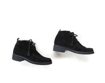 s a l e Vintage Chukka Boots 7 / Black Leather Ankle Boots / Suede Booties