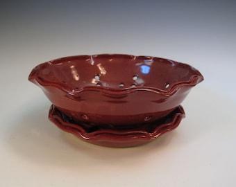 Brick Red Colander Fruit Bowl with Tray - Split Wavy Rim - In Stock