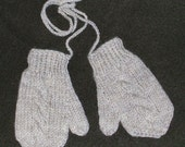 Hand knit toddler mittens in 100 % Natural Wool