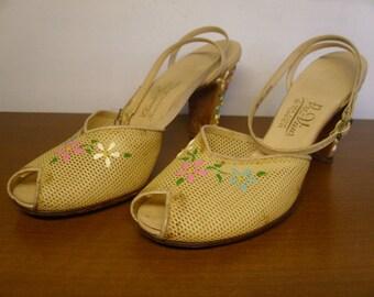 Vintage 1950's/1960's Peep Toe Heels  Size 8 1/2