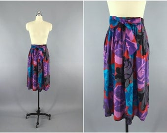Vintage 1980s Skirt / 80s Midi Skirt / Purple Rose Floral Print Full Skirt  / Novelty Print Skirt / Size Medium M Large L