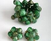 Vintage Lisner Emerald Green Marbleized Beaded Spiral Bracelet Matching Earrings