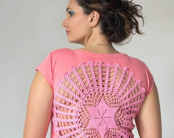 Pink coral t-shirt with upcycled vintage crochet doily back - Size L-XL