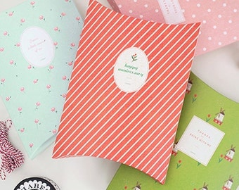 4 Lovely Gift Boxes - M size (7.6 x 10.6in)