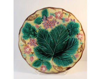 Vintage Majolica Wedgwood Strawberry Plate