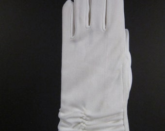 Childrens Vintage White Dress Gloves - Size 4 to 5 - 6-1/2 inches long(12ch)